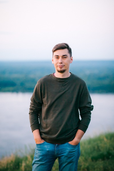 Артем Латышев