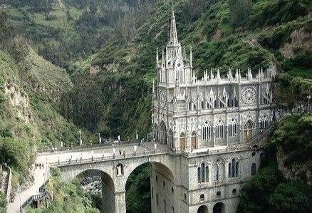Церковь Лас-Лахас - один из самых посещаемых храмов Колумбии.