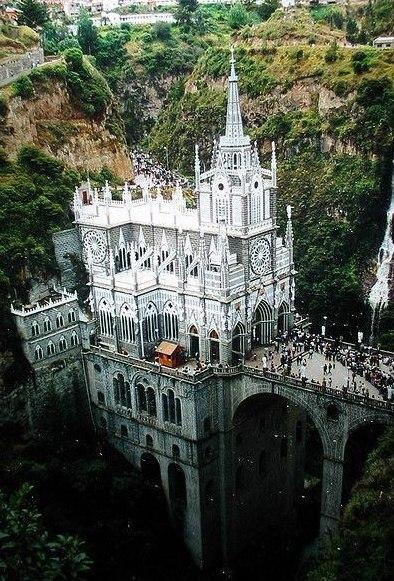 Церковь Лас-Лахас — один из самых посещаемых храмов Колумбии.