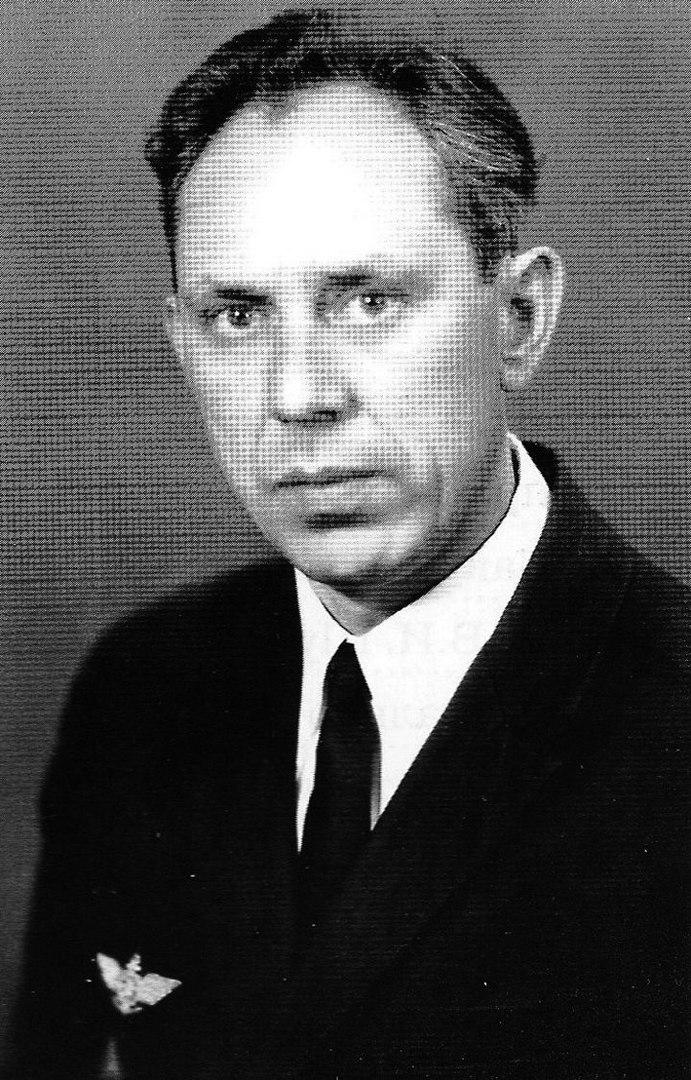 12 октября 1937 в селе Коробчеево родился Владимир Викторович Шарапов
