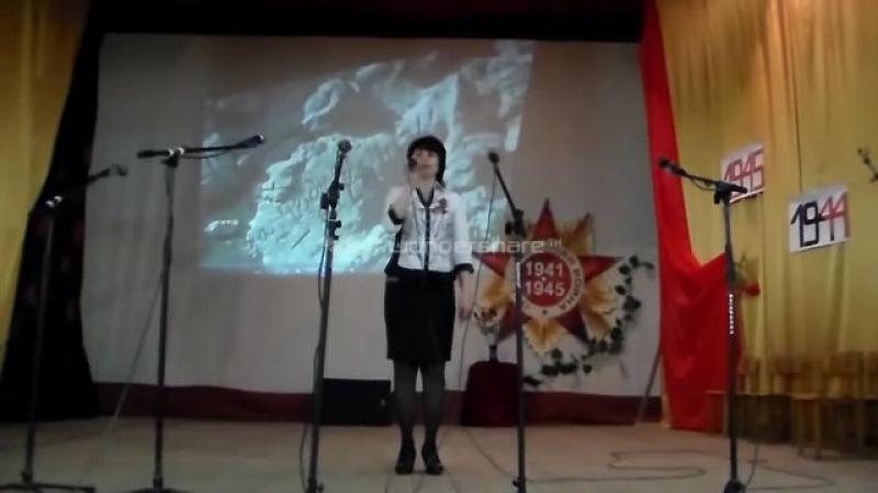 Поет Ремзие (Рамма)Нурмамбетова Праздничный концерт на 9 Мая - YouTube (online-video-cutter.com) (2)