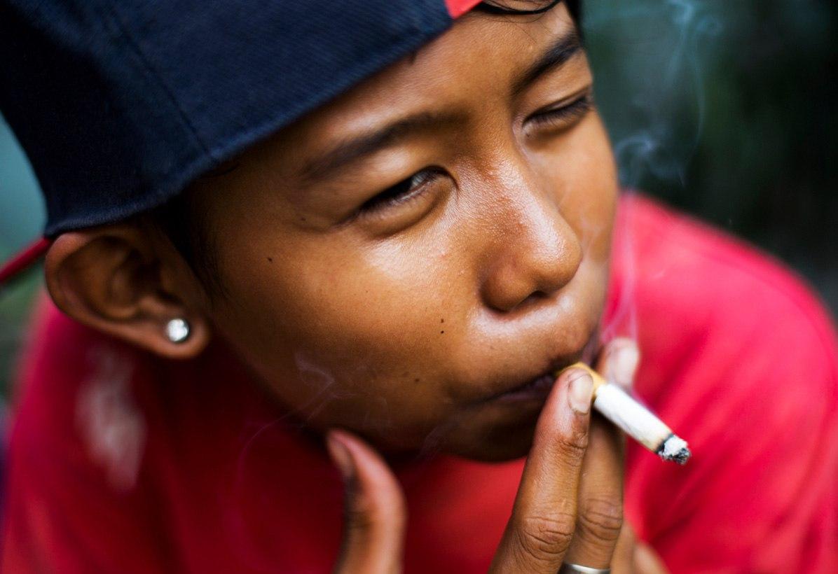 Почему сложно бросить курить?