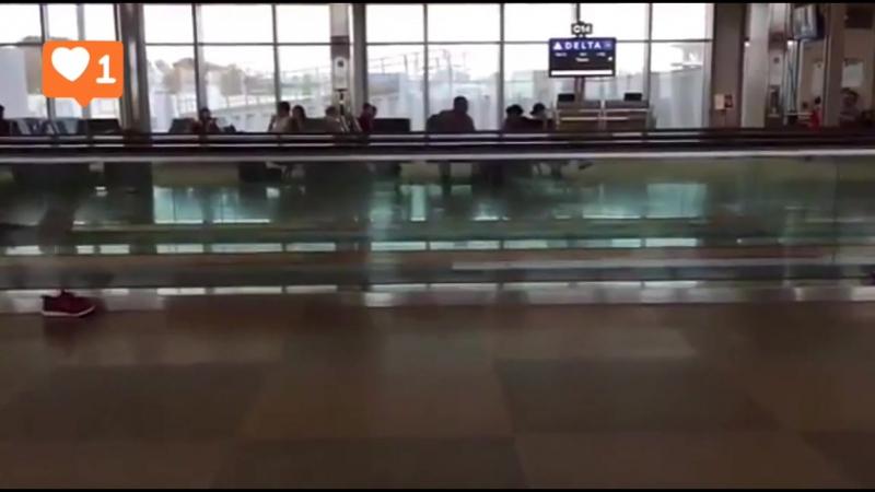 Когда задержали рейс в Аэропорту 😊