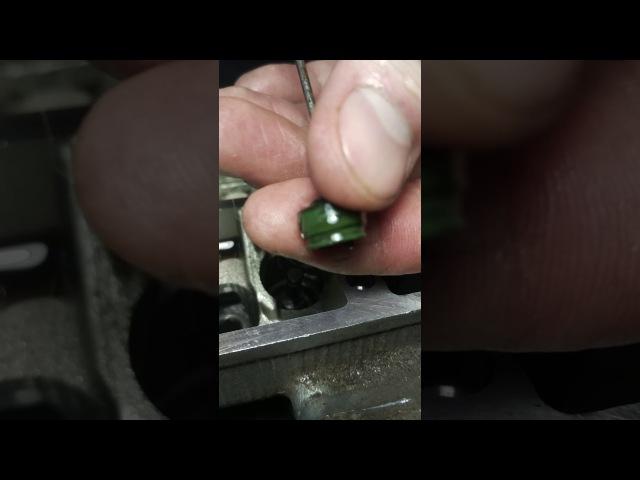 Yamaha TDM 850-2 Замена маслосъемных колпачков