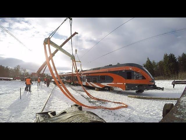 Подъём Штадлера после крушения 2 / Lifting of Stadler train after an accident 2