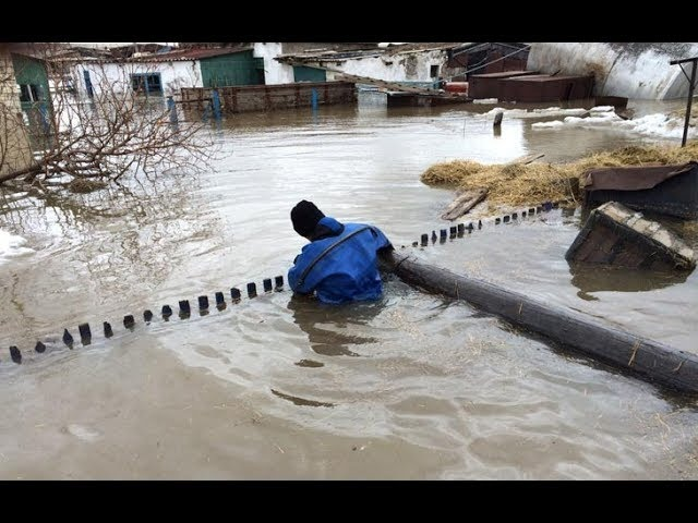 Дожди и таяние снега вызвали потоп на востоке Казахстана. Flood in the east of Kazakhstan
