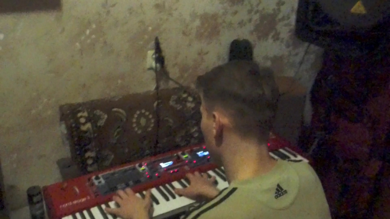 ZOOM0011 - Ярик-Clavia Nord Stage-3