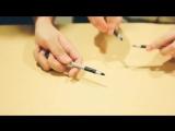 Вот это талант!!!!Парни играют на ручках!