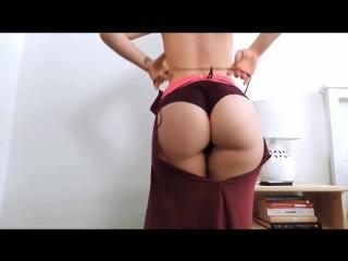 Оператор не выдержал и выебал тверкающую сучку   porn   порно  милфа   киска потекла   пизда течет   жопа попка кончил минет гей
