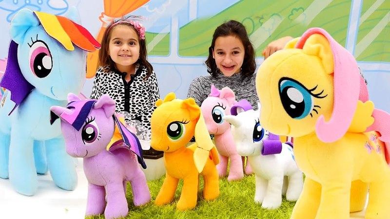 My Little Pony'leri bulup etek giydirdik. Evcilik oyunu