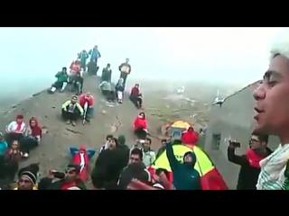 Азербайджанцы из Южного Азербайджана поют азербайджанскую песню