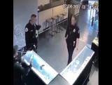 Когда хотел стать танцором, но пришлось пойти работать в полицию