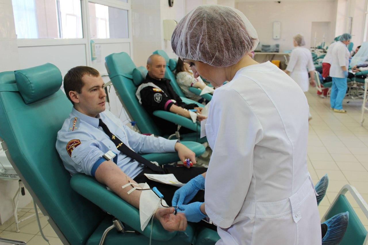 Бойцы Росгвардии стали донорами крови