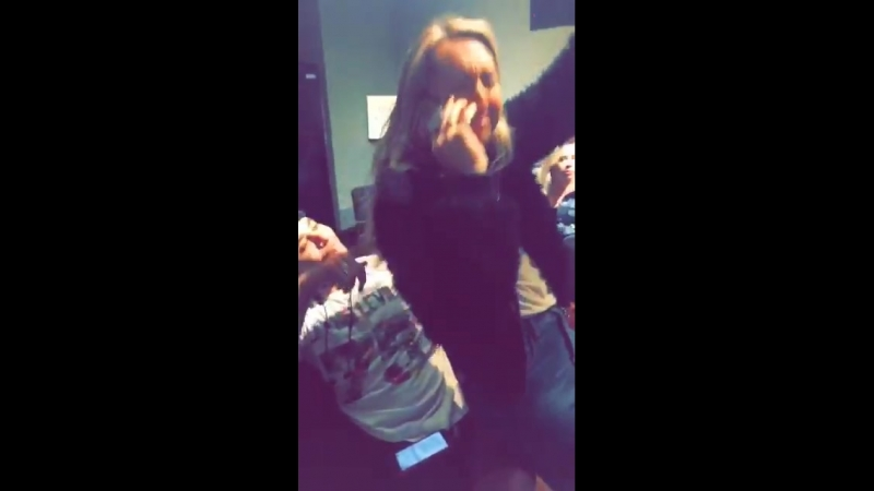 Demi via Snapchat (theddlovato)