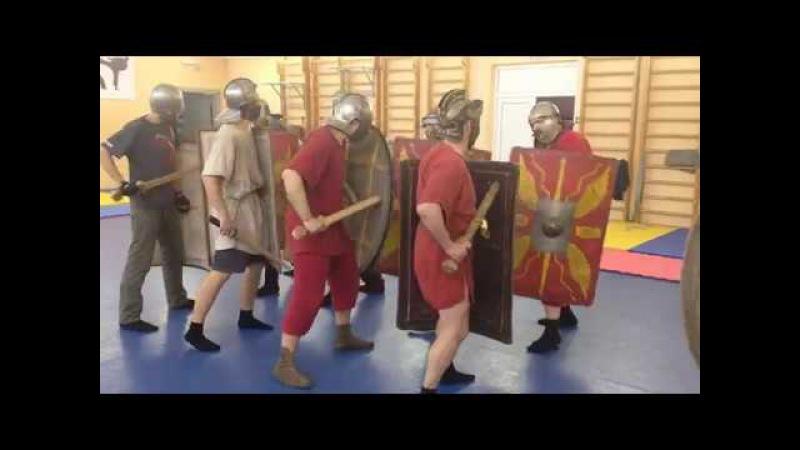 Римское фехтование - про атаку в ногу \ Roman fencing - about the attack in the leg