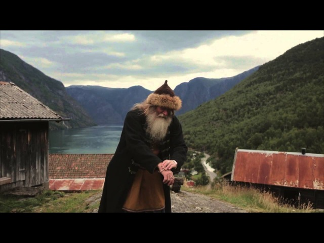 Encounter with a real life Viking in Gudvangen