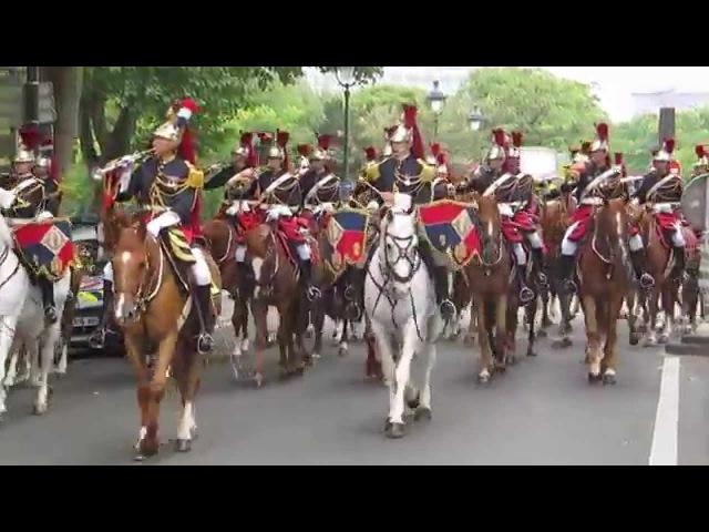 14 juillet 2014 Paris Garde républicaine à cheval Bd Henri IV retour du défilé