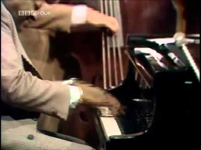 OSCAR PETERSON BARNEY KESSEL NIELS HENNING OERSTED PEDERSON Ronnie Scott's 1974