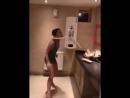 Почему девушки проводят много времени в туалете...вот и ответ.