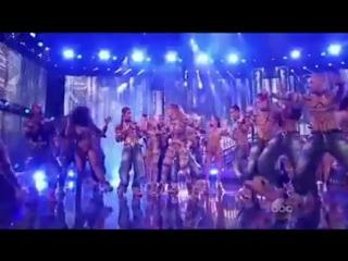 JLo Performance на AMA с Royal Family