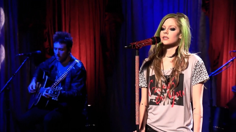Avril Lavigne - Im With You [AOL Sessions] (FullHD 1080p)