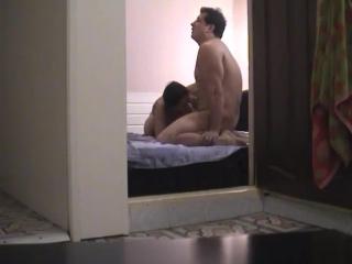 видео девушки в общественной бане
