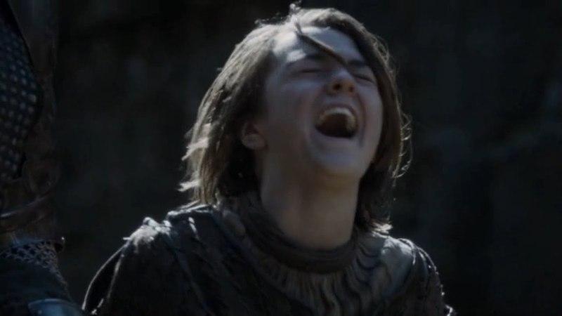Risa de Arya Stark - El Perro y Arya llegan al Nido de Aguilas | Juego de Tronos Español HD