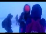 Дети в Якутске возвращаются домой сквозь снег и ветер