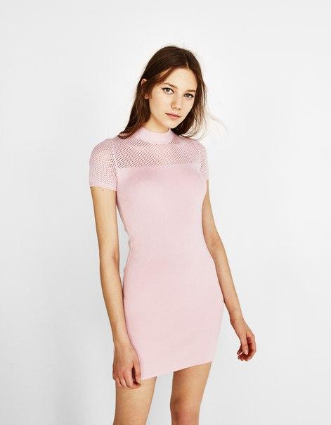 Платье с ажурными деталями