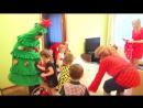 Домовенок Кузька и детвора наряжают Новгоднюю Елку!