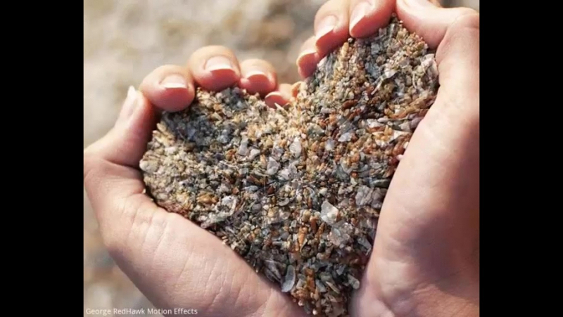 За улыбку платим слезами, за радость – грустью, за веру – отчаянием, за любовь – одиночеством. У жизни свои расценки.