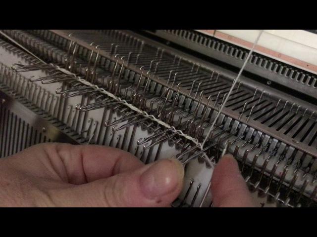 Набор косичкой на двух фонтурах,на резинках 2Х2,чтобы получить красивый край рез ...