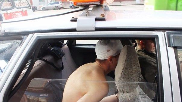 В Кемерово мужчина в трусах сбежал из