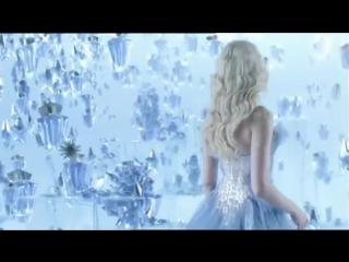 Наоми Уоттс в рекламе духов Angel by Thierry Mugler