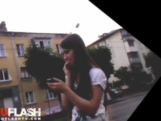 Видео парень кончает на прохожих девушек
