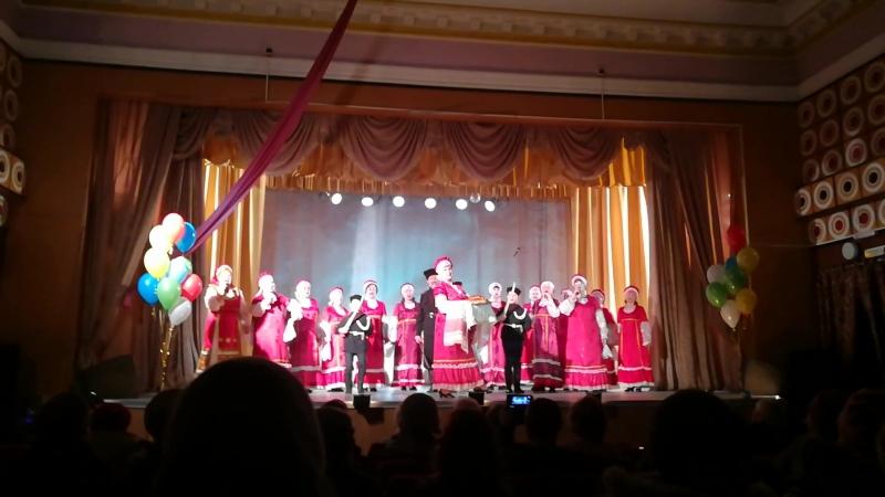 Наш Никита выступает в Любушке вместе с бабушкой Любой.