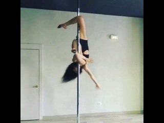 Pole Dance. Элемент от Марион Крамп.