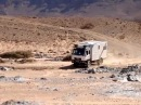 Morocco - Off road sand river crossing with MAN and Mercedes campers /Высохшее русло реки Марокко