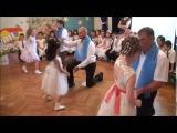 Танец Отцов и дочерей в детском саду