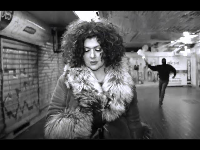 Divna - Sidji do reke (Official video)