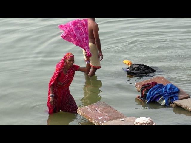 Большая стирка в Ганге и прочие развлечения на набережной Варанаси