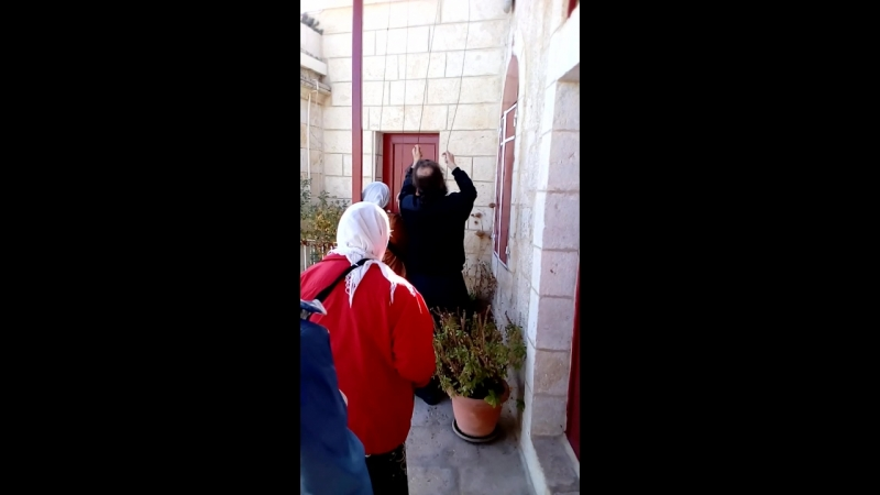 мы в Израиле в монастыре наш батюшка звонит в колокола
