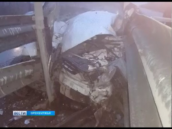 В Оренбурге машина скорой помощи попала в ДТП