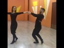 Лезгинка.Красивая девушка танцует
