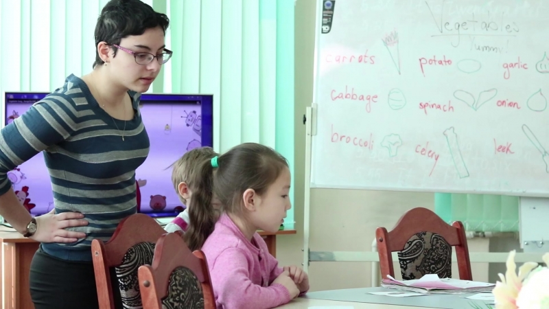 Что думают о Казахстане и ее жителях иностранцы которые живут и работают в г Семей Аманда Либерман волонтер английского клу