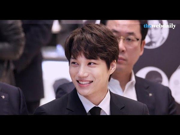 [WD영상] 엑소(EXO) 카이 포커스 - K팝 스타메달 1호 '엑소 공식 기념메달' 실물 공개 행49