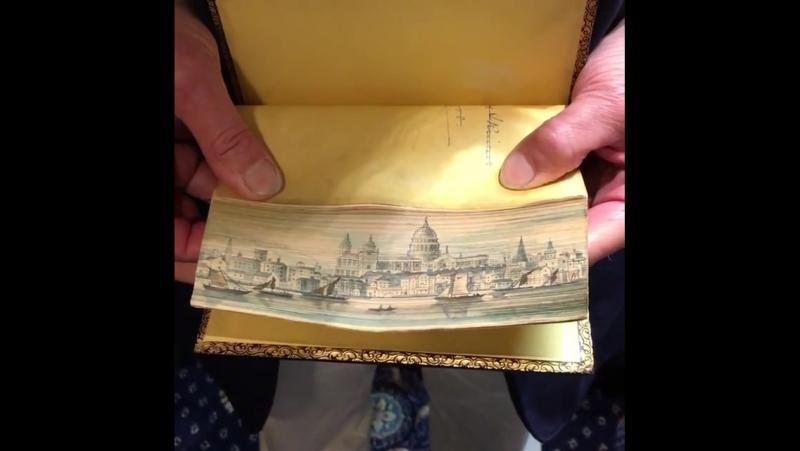 Супервидео с картинами на обрезах книг