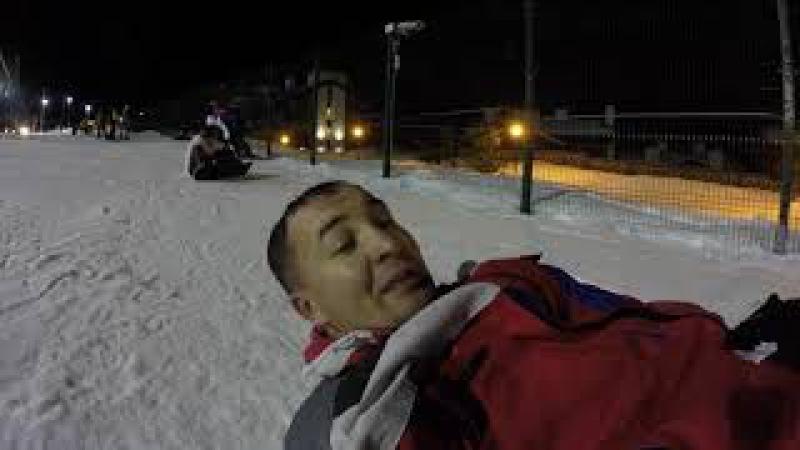 Горные лыжи в Сочи. Попой по снегу. Доска мне не отдалась :(