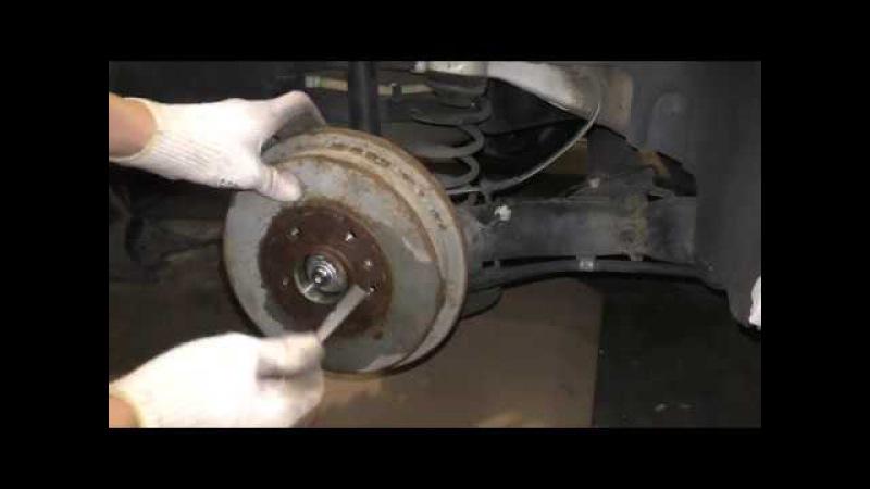 VW Polo Sedan Skoda Rapid - Как снять тормозной барабан