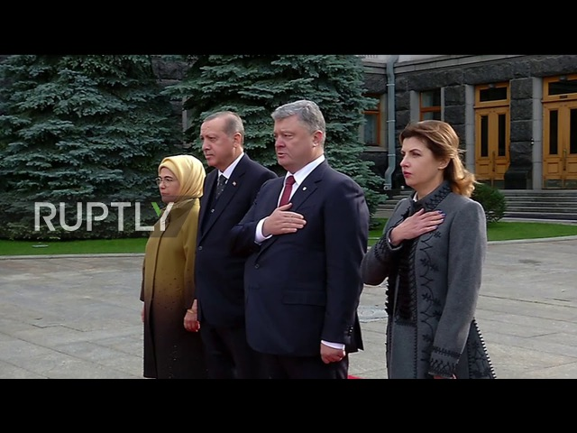Ukraine: Poroshenko receives Erdogan in Kiev ahead of bilateral meeting